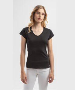 Tshirt atenas mulher preto com gola em bico - modelo